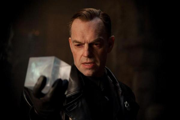 http://www.tooticy.re/local/cache/img/r/L600xH600/2267-hugo-weaving-captain-america-first-avenger-cinema-reunion-974.jpg