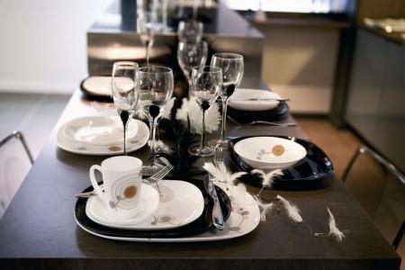 deco table chic noir et blanc. Black Bedroom Furniture Sets. Home Design Ideas