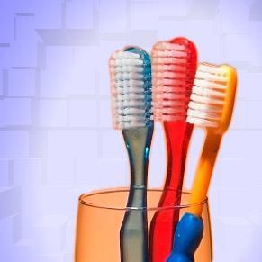 Rangements malins dans la salle de bain d co magazine - Range brosse a dent ...