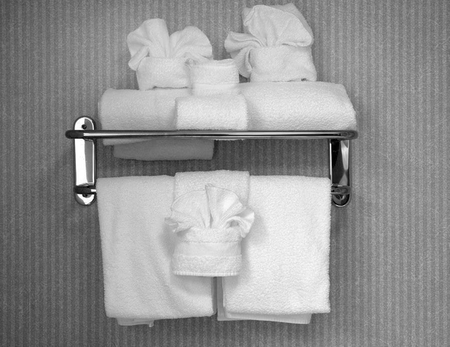 rangements malins dans la salle de bain d co magazine le de la r union tooticy. Black Bedroom Furniture Sets. Home Design Ideas