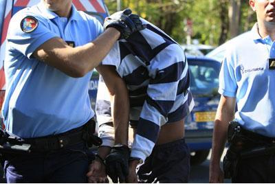 Réunion : Une jeune femme poignardée à mort par un mahorais